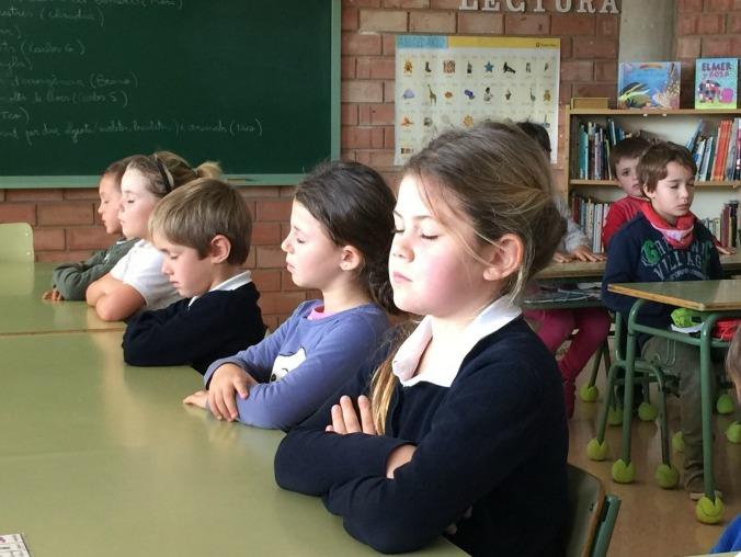 Mindful Schooling: Mejoras en la Regulación de la Atención entre niños de primaria